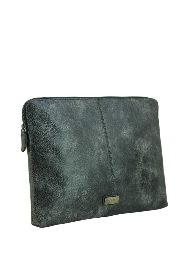 Zachary, Distressed Black