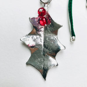 Holly Pendant Necklace