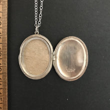Load image into Gallery viewer, Vintage Locket necklace- large silver oval