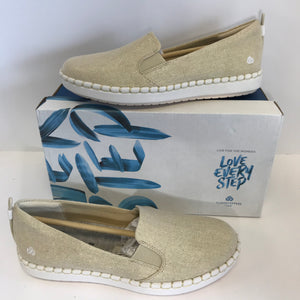 Clarks CLOUDSTEPPERS Slip-On Shoes - Size 7 Medium - Outlet Express