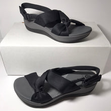 Load image into Gallery viewer, Clark's CLOUDSTEPPERS Sport Sandal - 6.5 Medium - Outlet Express
