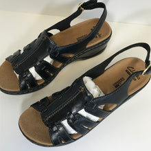 Load image into Gallery viewer, Clark's Leather Lightweight Sandals 7 Medium - Outlet Express