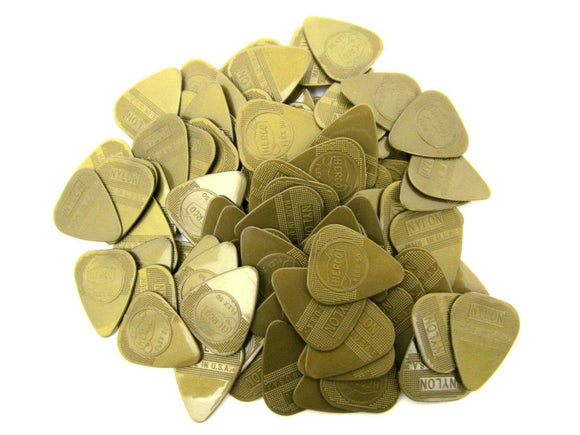 Herco Guitar Picks  Gold Flex 50 100 Pack  Light  HE210