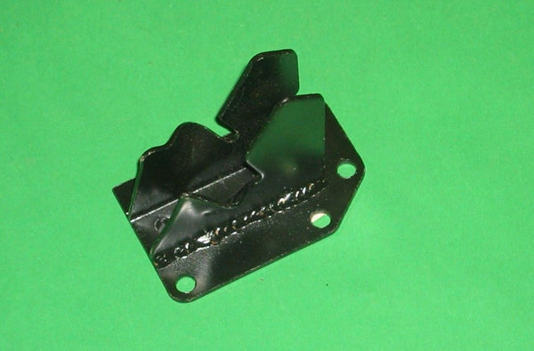MGB BRACKET ENGINE MOUNT LEFT HAND C/BAR - INCLUDES DELIVERY