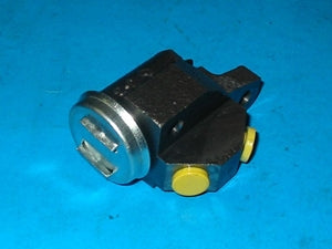 PAIR - WHEEL CYLINDER ASSEMBLY RIGHT HAND FRONT MGA1500 ZA ZB SPRITE TRIUMPH TR2 TR3 BORG&BECK - INCLUDES DELIVERY