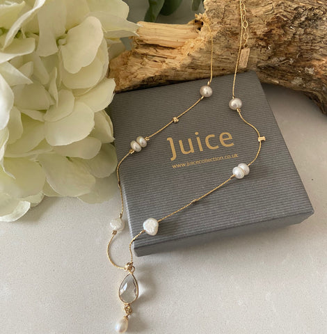 Pearl Necklace with Rock Crystal Gemstone Pendant