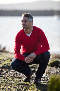 Mens V-neck Cashmere Jumper - Red