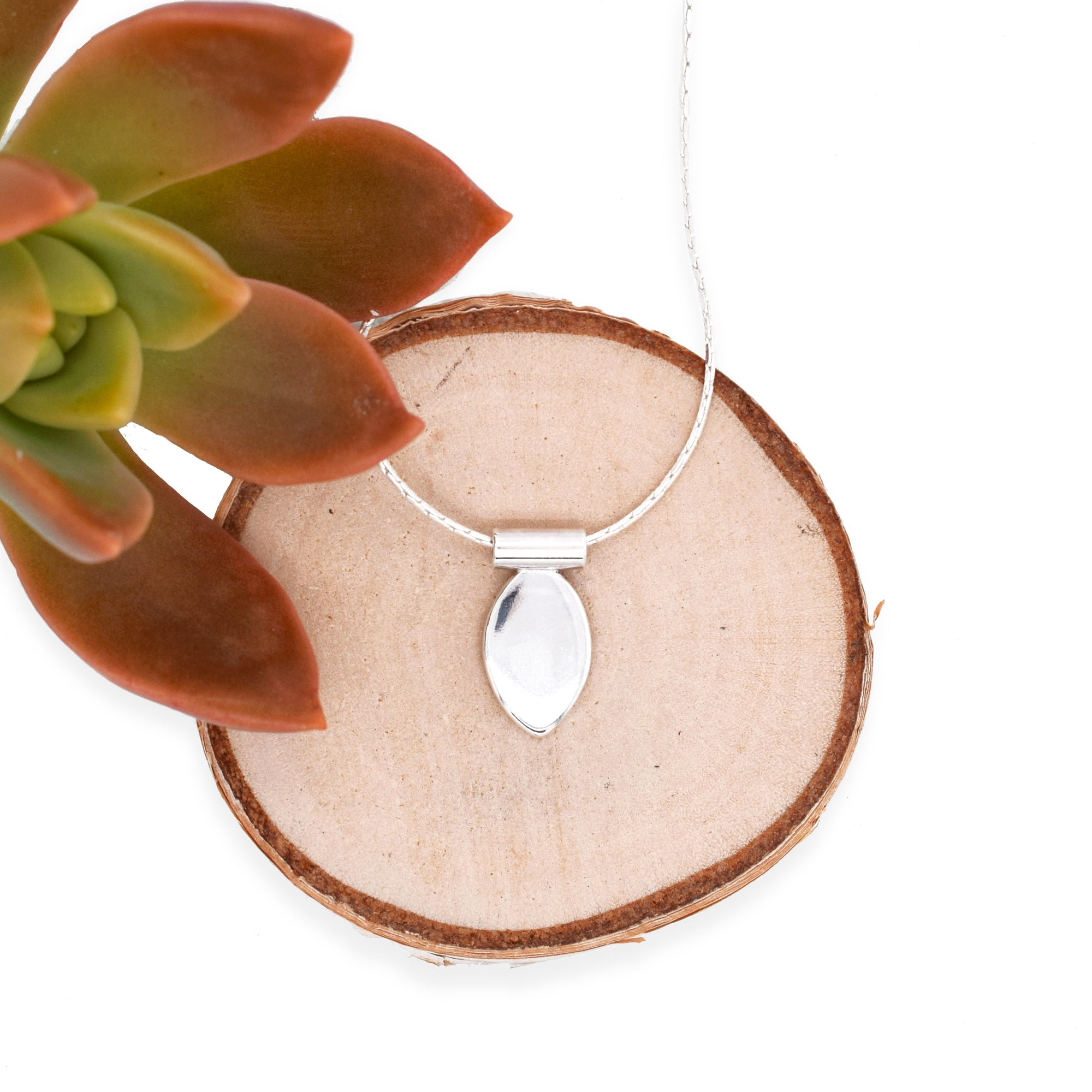 Arbor Single Solid Leaf with Tube Necklace