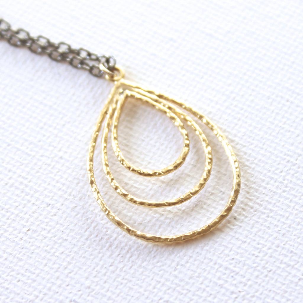 Teardrop Necklace 2.0 - 18k Gold Pendant Charm Necklace with Japanese Freshwater Keshi Accent Pearl
