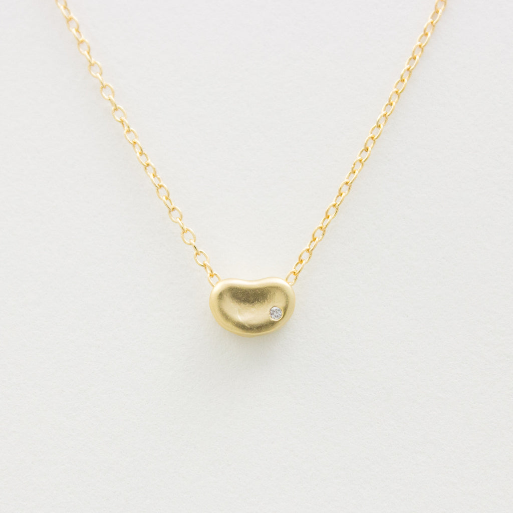 3D Little Bean Necklace - 18k Gold Mini Bean Charm Necklace