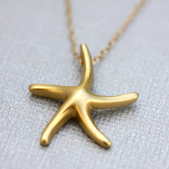 Starbright Necklace - 18k Gold Starfish Pendant Charm Necklace
