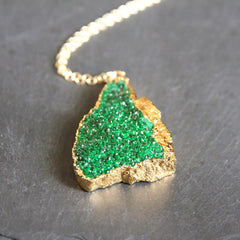 Ireland. 24k Gold Dipped Emerald Green Uravorite Pendant and 18k Gold Chain Necklace