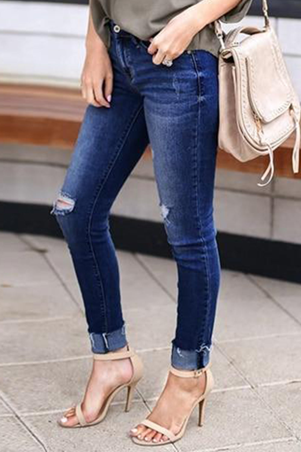 STRETCH RIPPED DENIM
