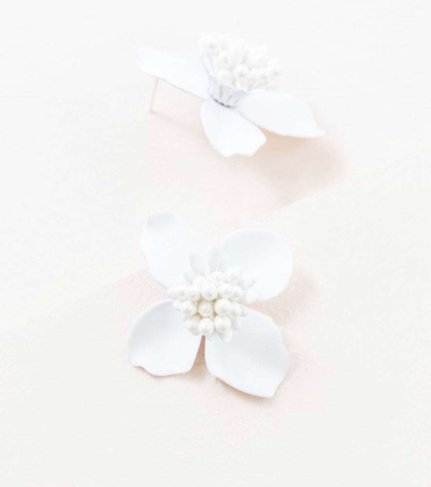 Flower Studs in white