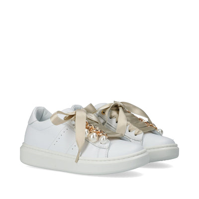 Sneakers in pelle con lacci e accessori M4A4-51233-0092100-