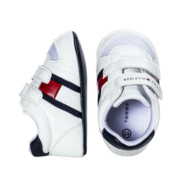 Sneakers Tommy Hilfiger in ecopelle bianca con stripes bianca, rossa e blu