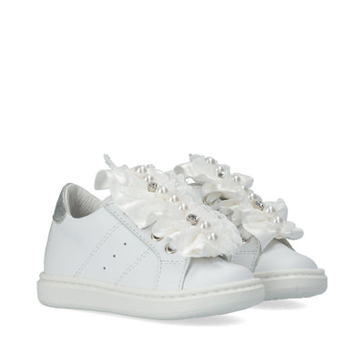 Sneakers in pelle con rouches, perle e cristalli Y1A4-41150-0092X025