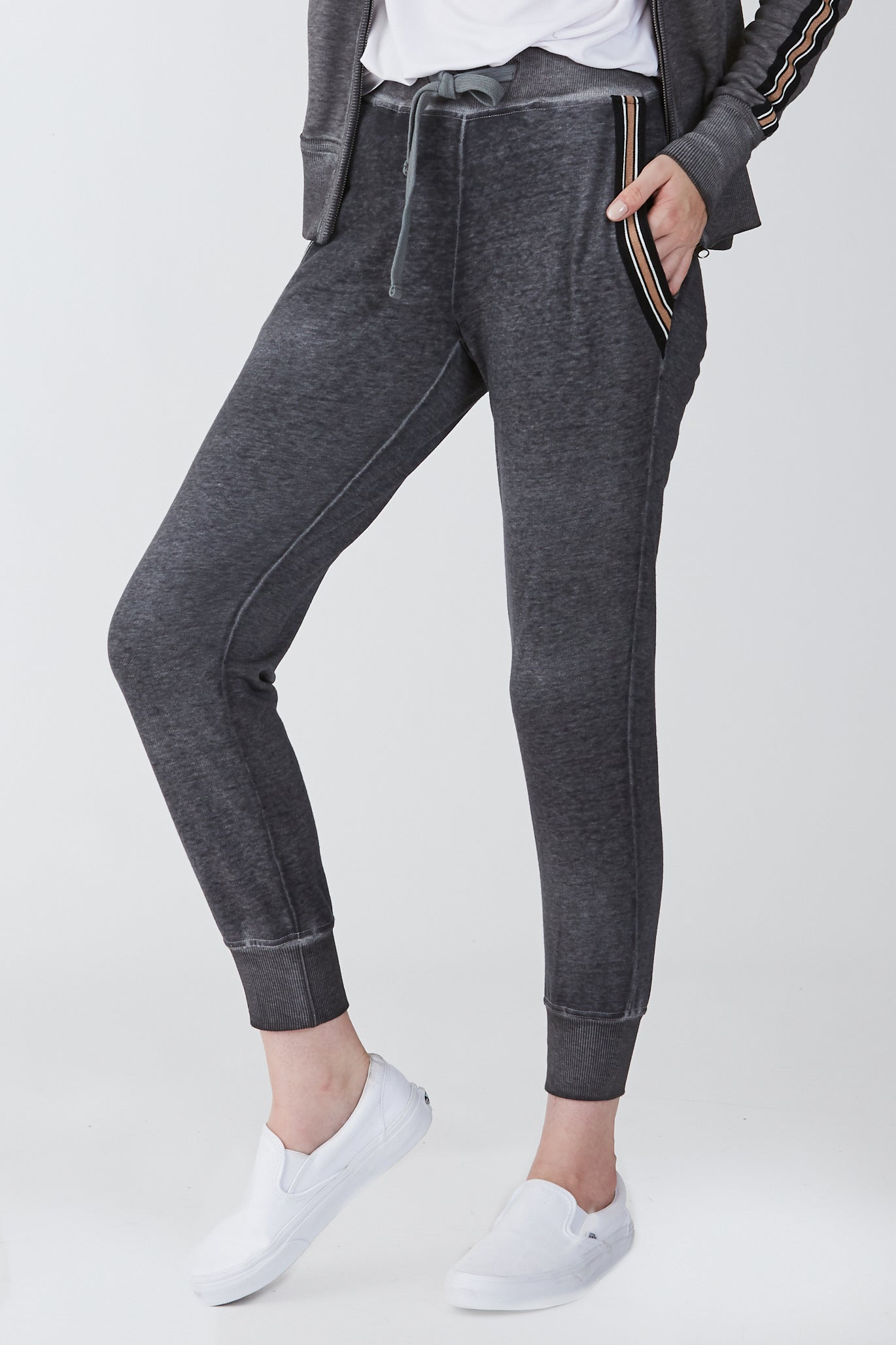 ANGELA BURNOUT JOGGER W/STRIPE