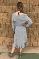 FAUX WRAP FRONT DRESS W/RUFFL T