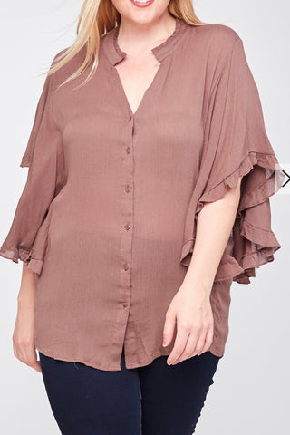 CURVY BUTTON DOWN RUFFLE SLEEVE TOP