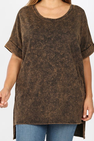 CURVY ROUND NECK CUFFED SLEEVE MINERAL WASH TEE