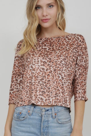 3/4 SLEEVE CROP LEOPARD TOP