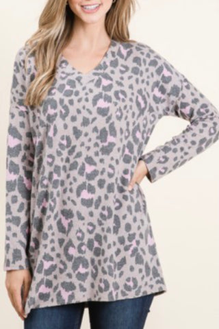 LONG SLEEVE VNECK BRUSHED LEOPARD PRINT TOP