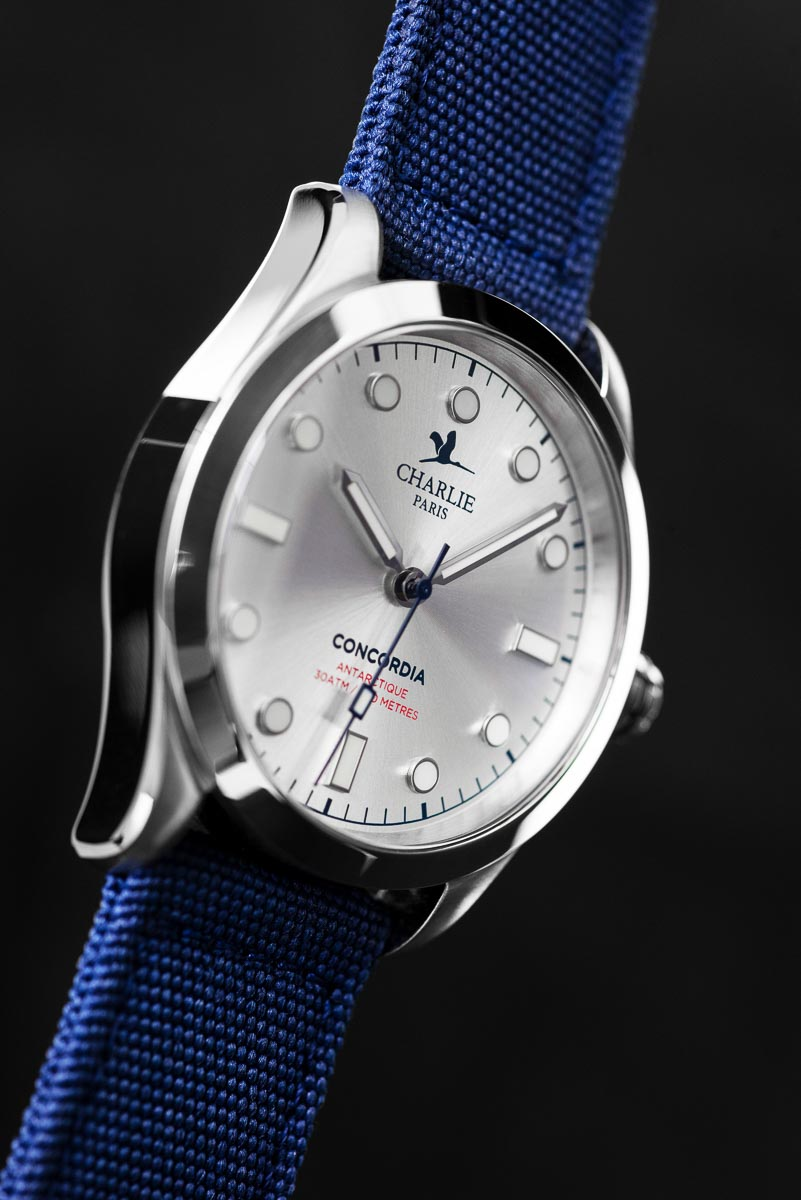 https://charlie-paris.com/collections/montre-homme-sport/products/concordia-quartz-bleu-38mm