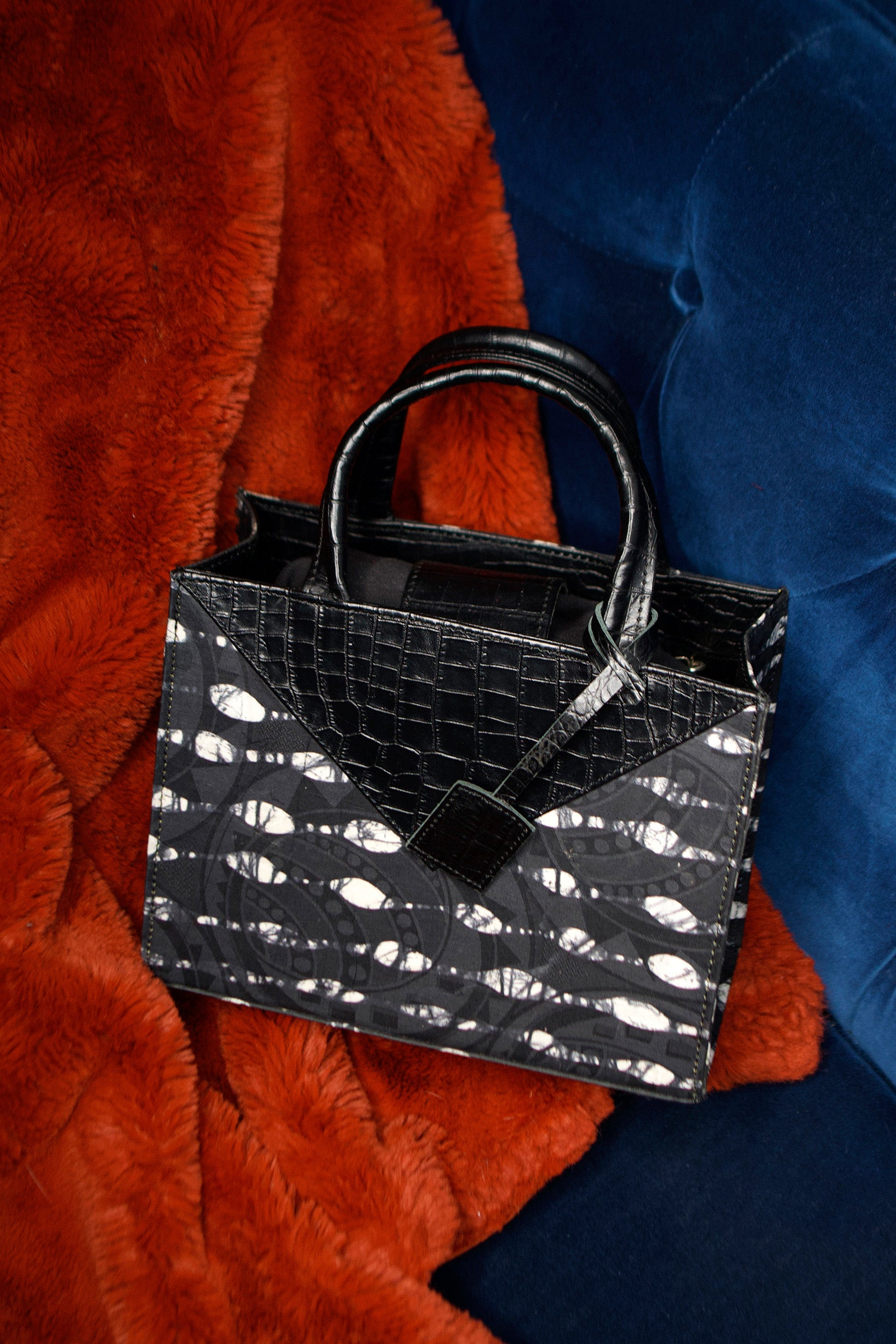 Leyelesi BW Tote (ONE OF A KIND)