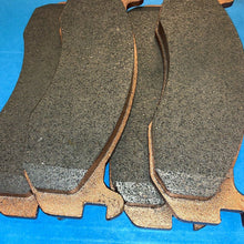 Load image into Gallery viewer, Brake Pad Set (4 Pads Per Set) Hummer Humvee ; WPD7020-M 2530014208025 12835400