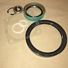 Load image into Gallery viewer, Reseal & Gasket Kit for 1 each CTIS Geared Knuckle Hub; Hummer Humvee ; 5745692