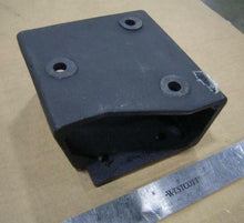 Load image into Gallery viewer, BRACKET , 6.5L ENGINE MOUNT , RH ; M998A1 , HUMMER ; 12339133  5590671  5577730