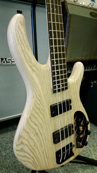 Cort Action Deluxe Electric bass Solid Swamp ash , Mark Bass