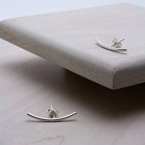 CURVED STUD EARRINGS - JewellerAJGreen