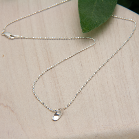 DROPLET NECKLACE - JewellerAJGreen