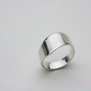 SMALL WAVE RING - JewellerAJGreen