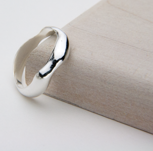 RIPPLE RING - JewellerAJGreen