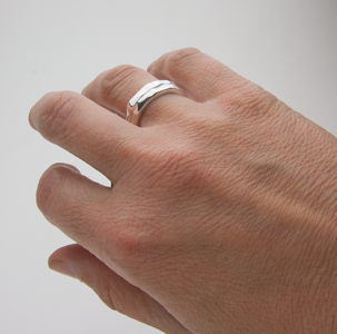 SMALL SWELL RING - Stack Them Up! - JewellerAJGreen