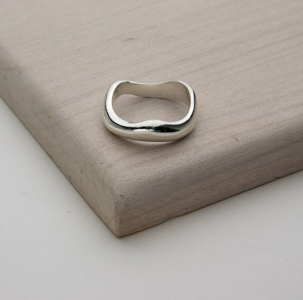 WOBBLE RING - JewellerAJGreen