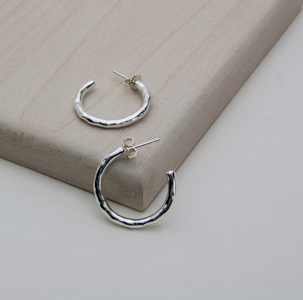 DIMPLE HOOP EARRINGS - JewellerAJGreen