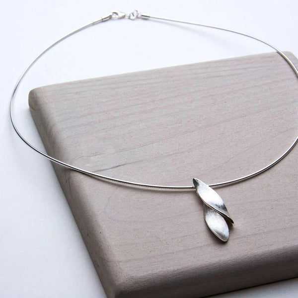PETALS NECKLACE - JewellerAJGreen