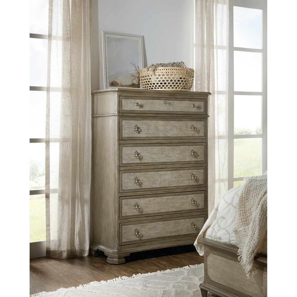 Klassik Six-Drawer Chest, lifestyle view
