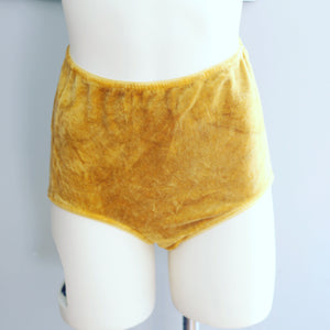 Plant dyed velour undies