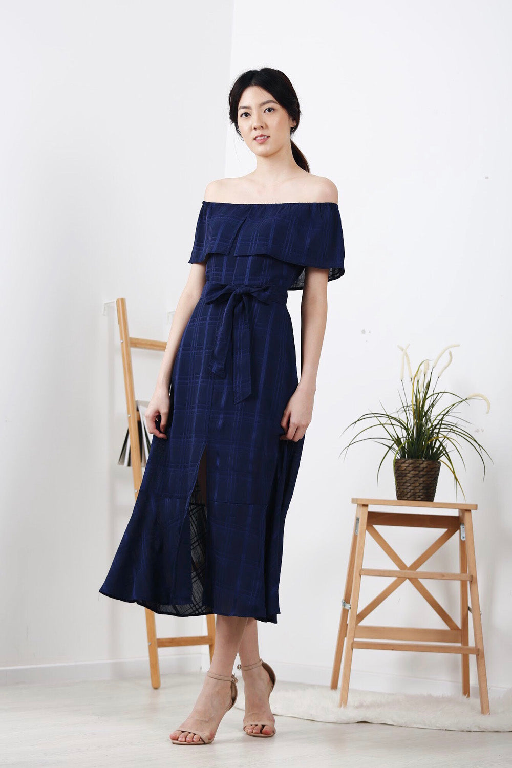 Off-Shoulder Plaid Front Slit Maxi Dress (Navy)