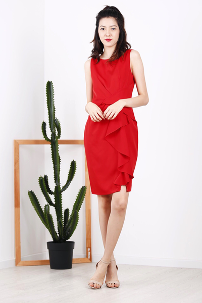Front Twist Ruffles Dress (Red)