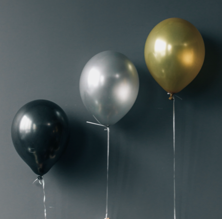 3 party balloons
