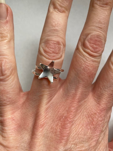 Sterling Silver wraparound ring with a Star