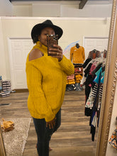 Load image into Gallery viewer, Mustard one side Sweater