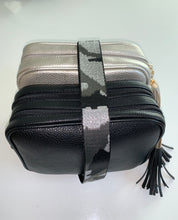 Load image into Gallery viewer, Silver Dolly Single Zip Cross Body Bag