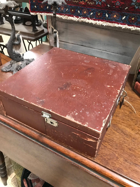 Antique Portable Phonograph Gramophone closed case